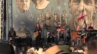 Watch Bonnie Raitt Luck Of The Draw video