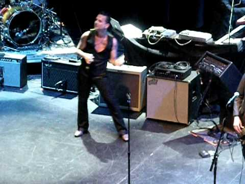 "Dave Gahan ""I feel you"" at Club Nokia 2011"