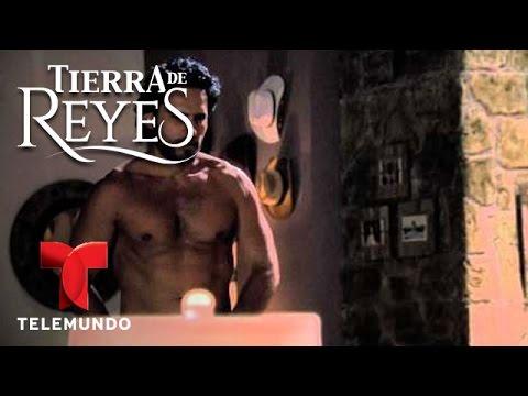 ... escenas de los hermanos Gallardo sin camisa | Telemundo Novelas