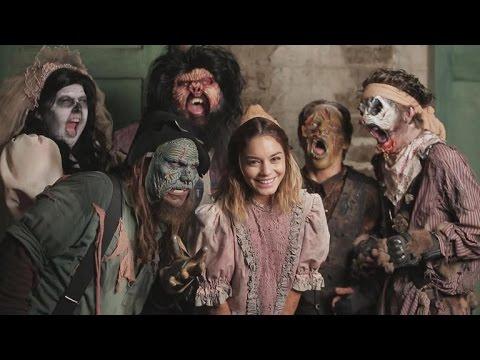 Vanessa Hudgens Terrifies Unsuspecting Guests at Knott's Scary Farm
