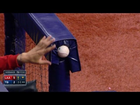 LAA@TB: Forsythe's foul ball gets wedged in railing