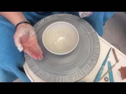 How to throw a bowl on the potters wheel