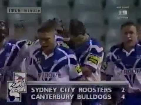 1999 Semi Final Week 1 Canterbury-Bankstown Bulldogs v Sydney City Roosters at the Sydney Football Stadium. Canterbury's Bradley Clyde scores a classic Bulldogs try with sideline to sideline...