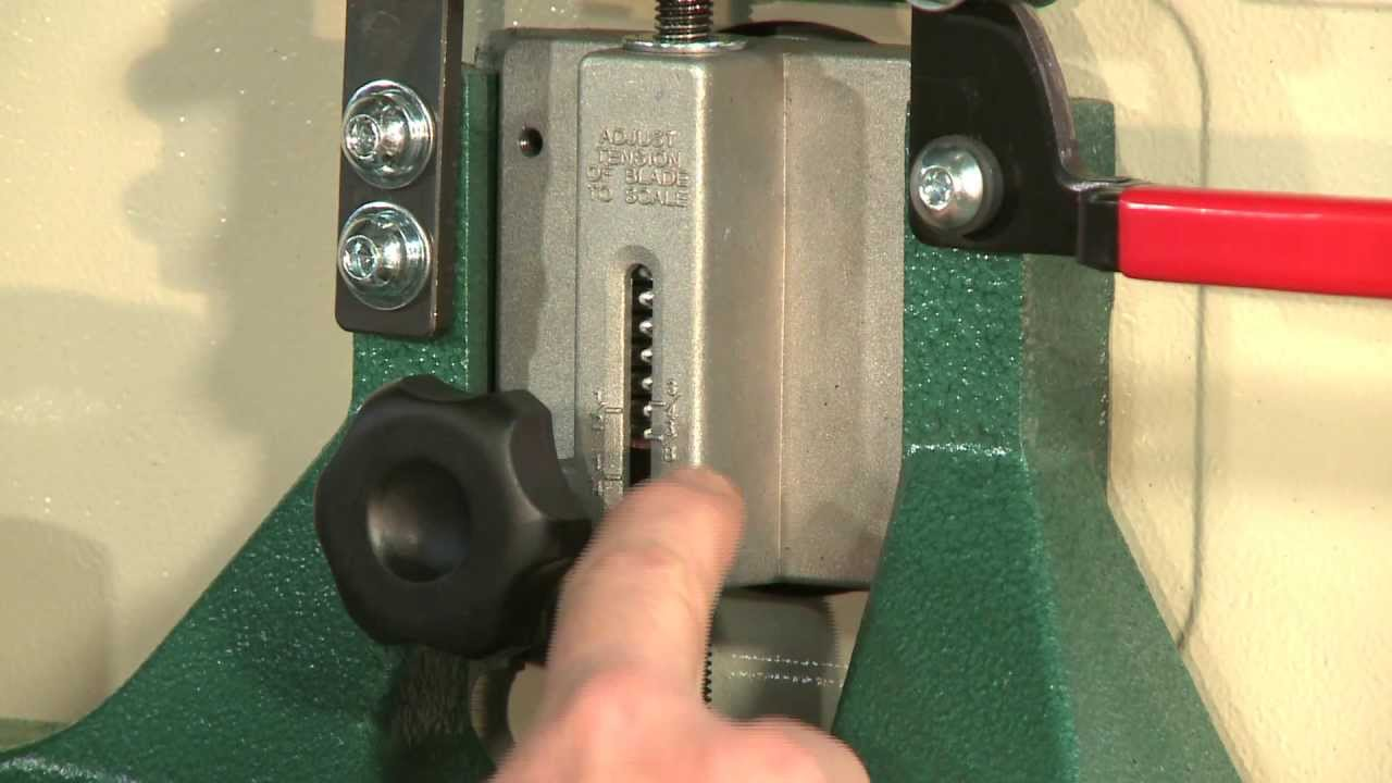 How To Adjust The Tension Rod On A G0555 Series Bandsaw