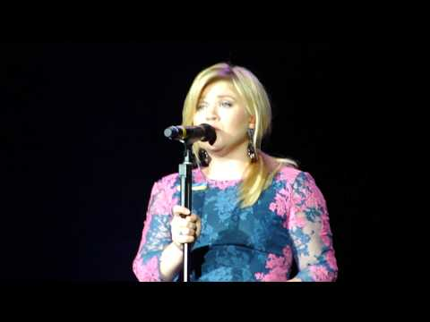 Kelly Clarkson & Boston Pops - Catch My Breath - 5/2/13