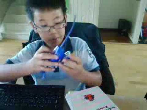 Beyblade Battle (Chinese versus Fake)