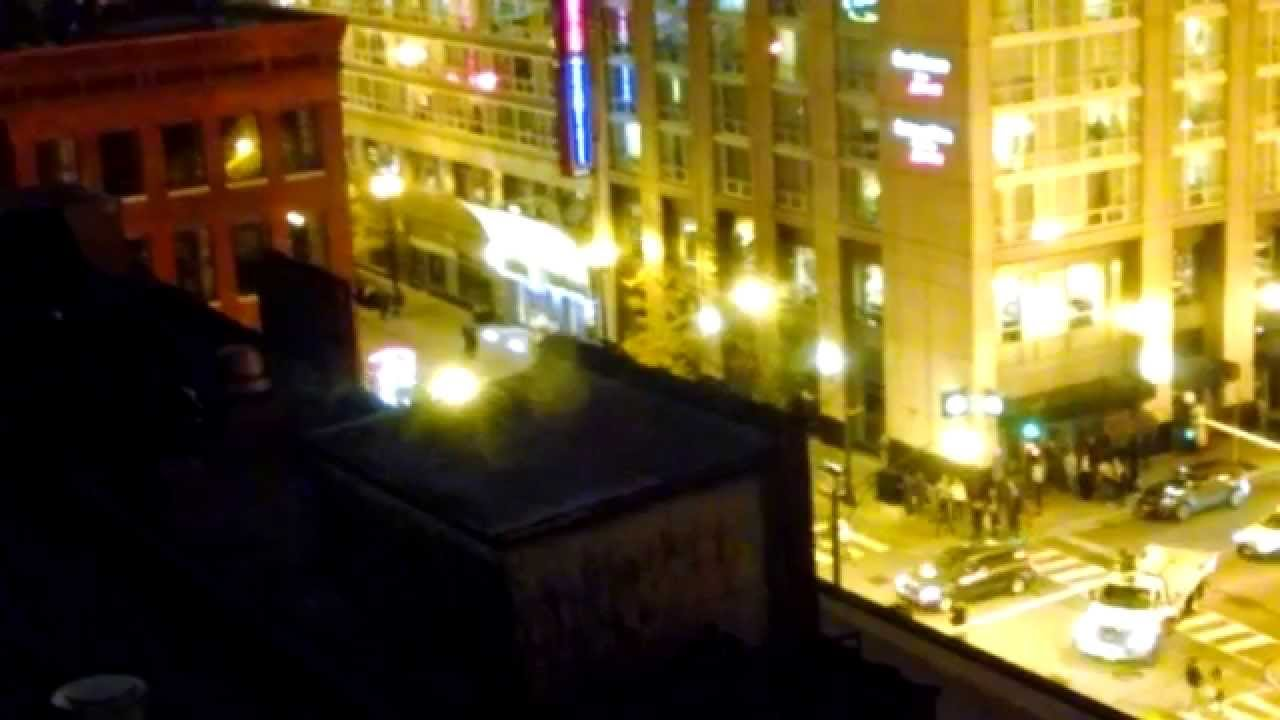 Downtown Chicago At Night Hilton Garden Inn Magnificent Mile Youtube