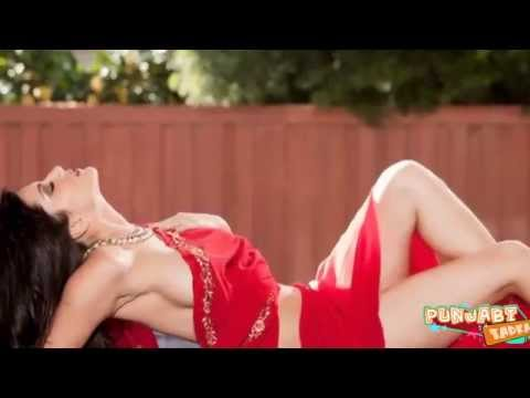 Sexy Sunny Leone Seduces In Saree Without A Blouse