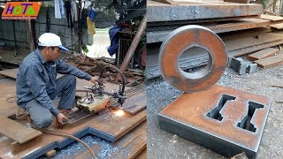 Cao thủ cắt hơi là đây - Highly skilled steel cutting workers.
