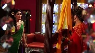 Uttaran : Acid attack on Meethi - IANS India Videos