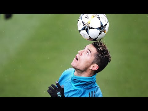 Cristiano Ronaldo ● Freestyle & Crazy Tricks