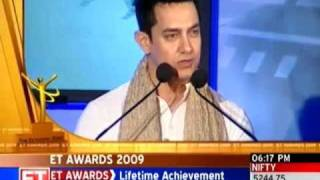 Aamir Khan wows audience at ET Awards function