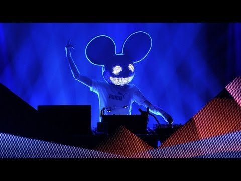 Deadmau5 Unmasked (Sort of) on the Grammys Red Carpet