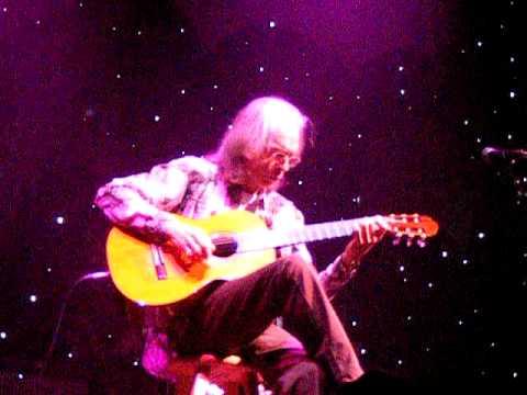 Yes Concert - Steve Howe - Classical Gas - Dublin Nov 2009