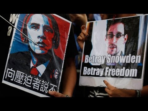 Edward Snowden gains support from protesters in Hong Kong
