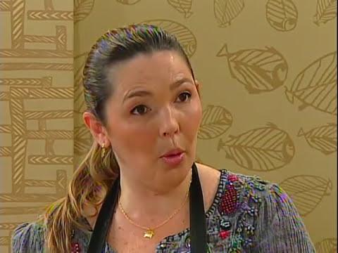 TOALHA E SABONETE COM DECOUPAGE DE TECIDO -