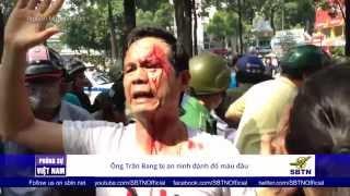 05/11/15 - PHÓNG SỰ VIỆT NAM: Sài Gòn biểu tình ôn hòa bị đáp trả bằng bạo lực