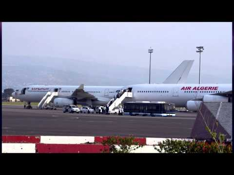 Air Algerie plane with 116 passengers 'probably crashed' in Mali, officials say