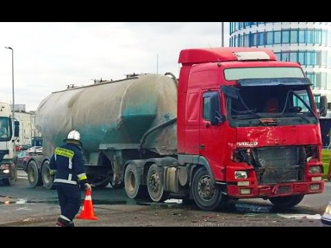 Best truck crashes, truck accident compilation 2016 Part 9