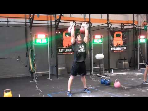 How to Lift Kettlebells like a Professional Image 1