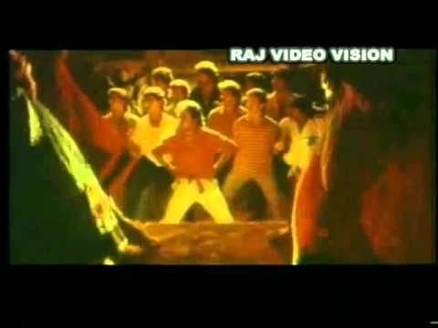 Rajinikanth Hits - Adi Rakkamma Kaiya Thattu Hd Song video