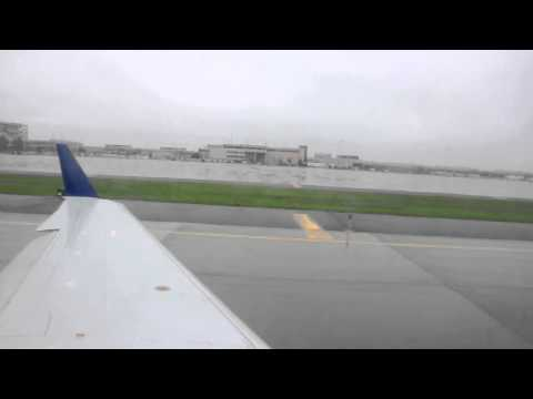 Delta CRJ200 taxiing Minneapolis St Paul