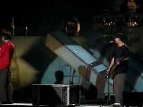 Linkin Park - Faint (Live) with a surprise guitarist... Music Videos