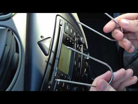 Confirmed: Ford Focus Blaupunkt Stock Radio with AUX input for iPod. iPhone. iPad. ect.