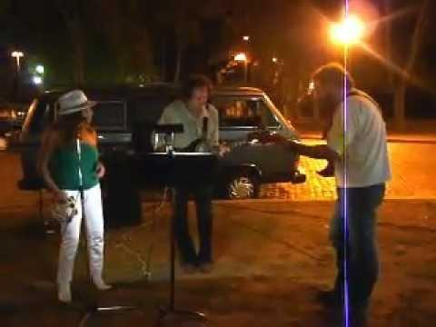 Oye como va - Jesús Amaya y Richard Coll, en las calles de Rosario...