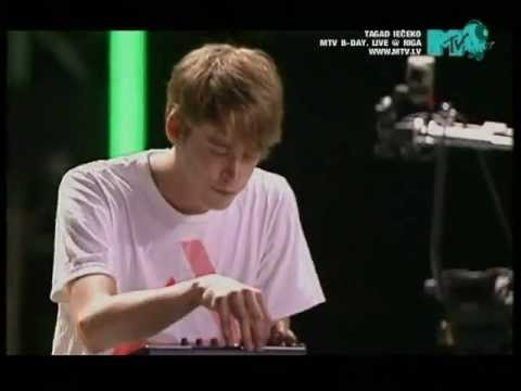 Digitalism - The Pulse / Zdarlight (Live @ MTV Baltics B-Day, Riga 2007)
