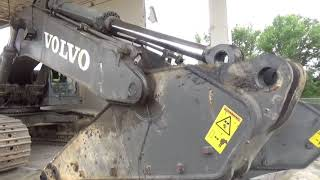 Volvo 700 excavator, putting a new stick on it
