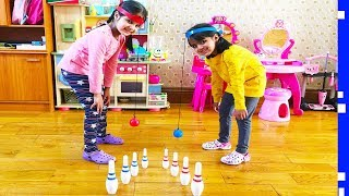 Kids Playing Bowling Head Toys Game - Fun Summer Family Games | Rainbow Toys Review