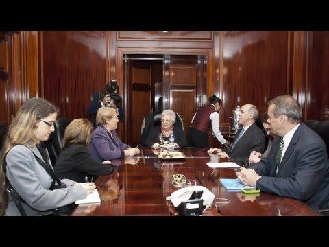 La ex presidente de Chile Michelle Bachelet de reuni� con ministros de la Corte
