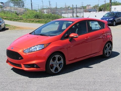 2014 Ford Fiesta ST Start Up, Exhaust, and In Depth Review