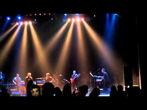 Ebi & Shadmehr 2013,concert In Montreal-hese Tanhai- کنسرت ابی، لحظه ورود ابی video