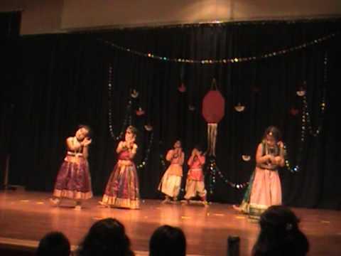 Chellidaru Malligeya - Kannada Folk Dance video