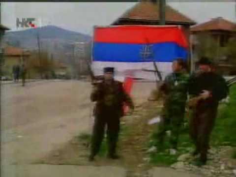 1992. JNA napada Sarajevo, a Muslimani izlaze na ulice s Titovim slikama i jugoslavenskim zastavama