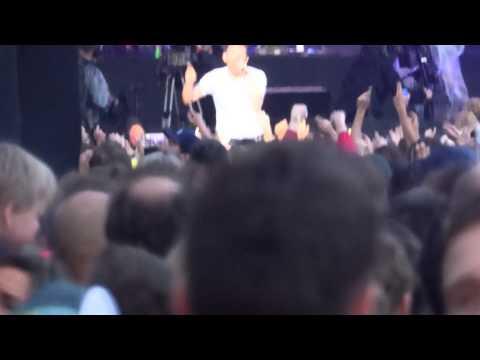 Blur - I Broadcast (live at Hyde Park)