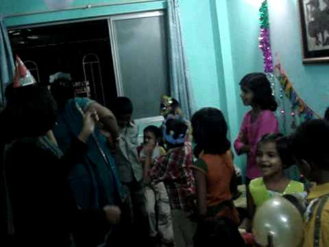 Soham Gupte 6th Birthday (14-Dec-2009) - Evening Party - Song...
