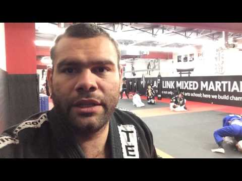 Gabriel gonzaga back to the mat in Bjj class Image 1