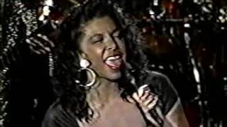 Watch Natalie Cole Someones Rockin My Dreamboat video