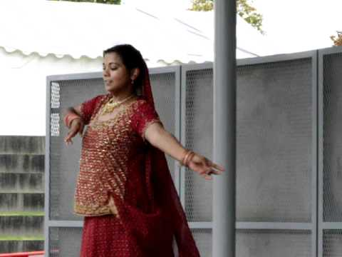 SOLO 1 - Danseuse indienne : bollywood, kathak