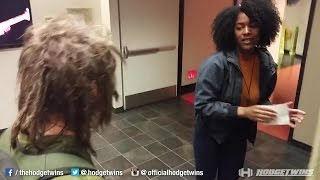 Black Woman Assaults White Student for Wearing Dreadlocks @Hodgetwins