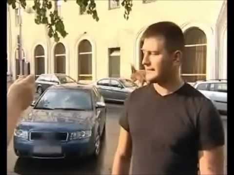 Белочка Масик в такси