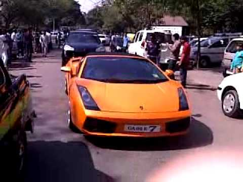 parx supercar show delhi (Cars arriving)