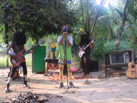 kelembaistudio saz - Hatiku Kau Guris Luka (cover) credit to Sweet September