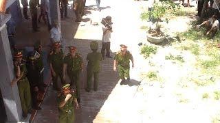 Chính quyền Vân Đồn phá nhà ông Phạm Hữu Trương tại- Quan Lạn- Vân Đồn- Quảng Ninh- 0982380664