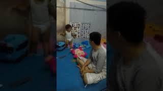 Usaha Papa untuk Membuat Ku Ketawa (Funny baby)
