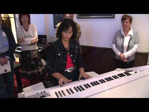 OKEY LIVE 2012 - Claudia Hirschfeld spielt WERSI Louvre und Pegasus Wing