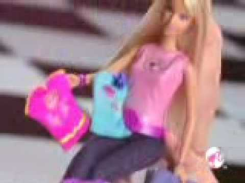 2009 º Barbie totally styling ´ tattoo commercial doll.